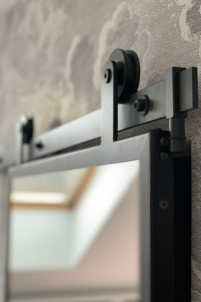 sliding system, sliding mirror in a metal frame