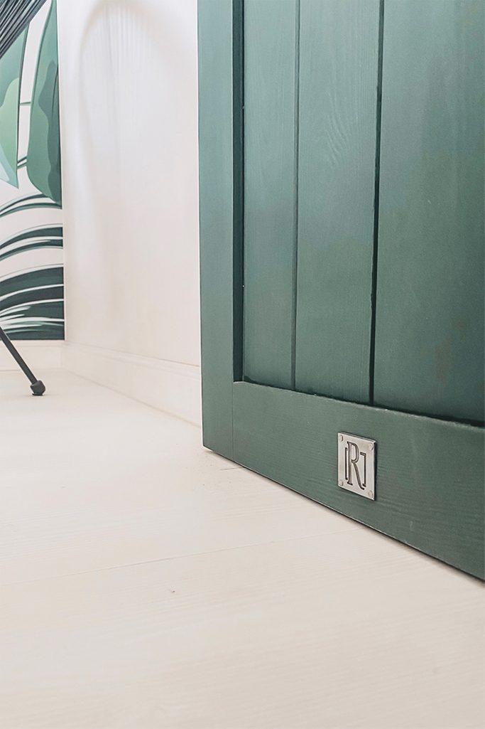 green doors, green sliding door, solid wood sliding door